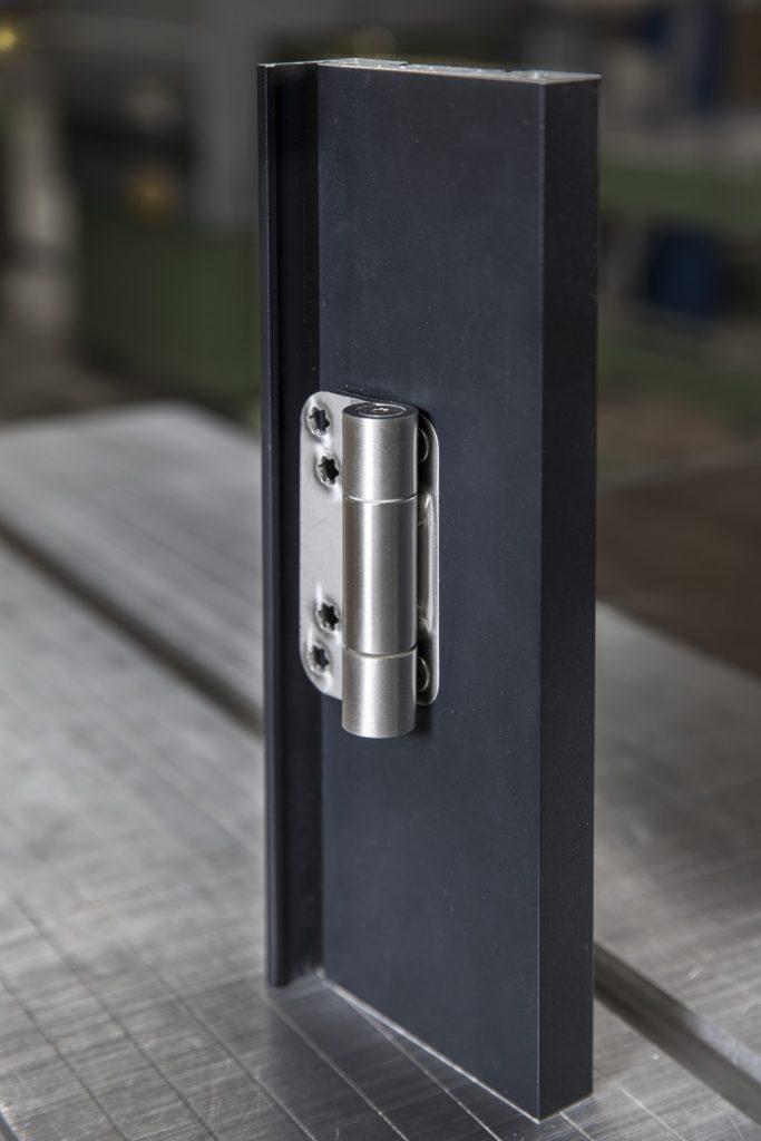 ScheicherWand-Flushzarge-Aluminium_phelps_4848-1320×1980